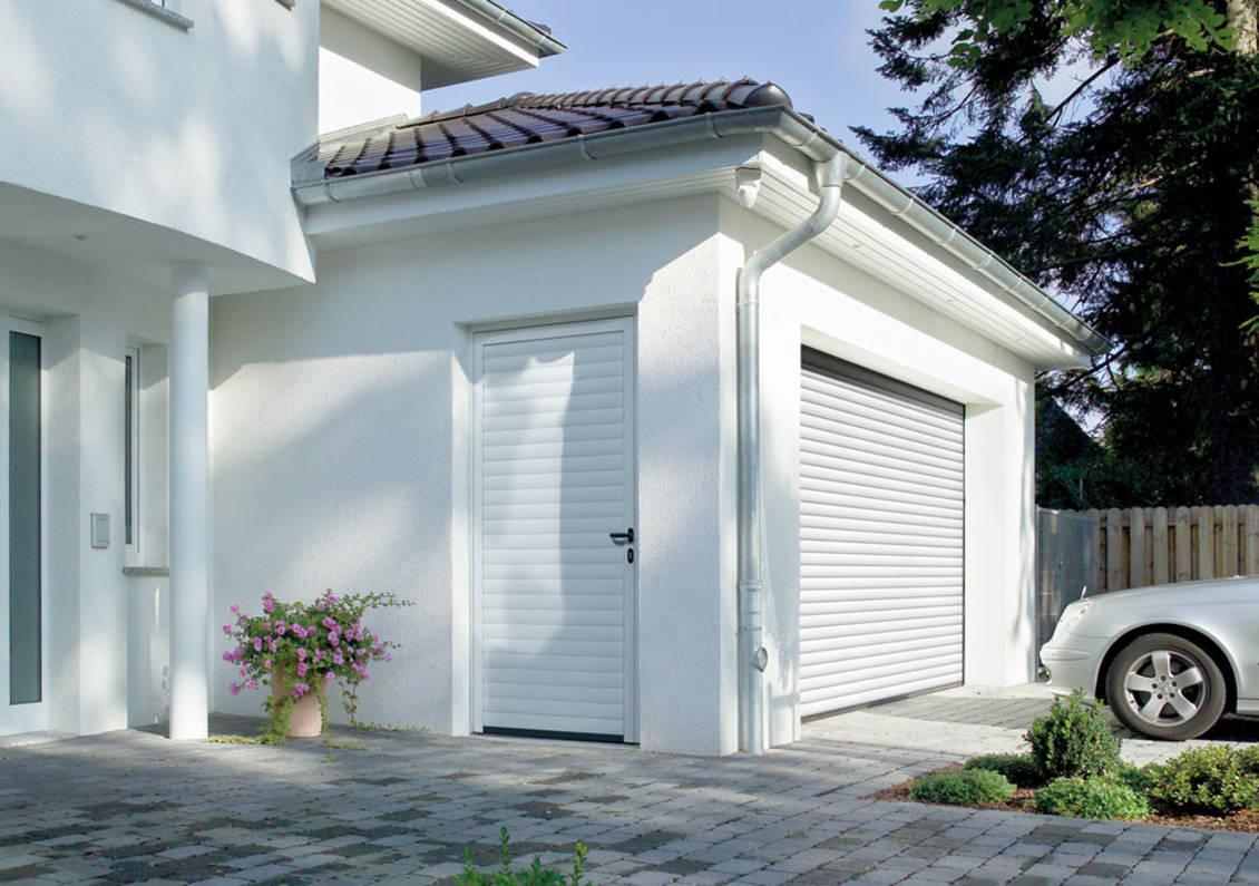 Garagen Nebentür mit Rolltor um die Ecke Hörmann Hannover Ansichtsgleich